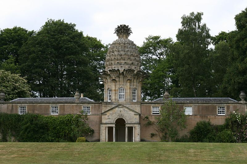 The Dunmore House in Scotland. giannandrea - Wikimedia Commons